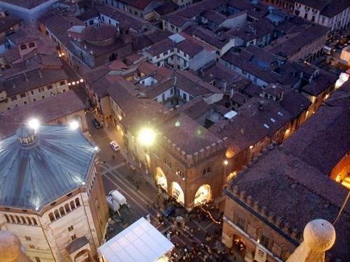 capodanno cremona in piazza in centro storico foto
